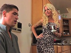 Horny Milf Cheating On Husband While He's At Work Porn 84