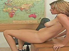 Black Dude Pounding An Experienced Mature Housewife