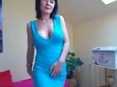 Horny Cougar Mom Masturbation On Live Cam