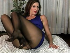 American Milf Dee Williams Shares Her Wonderful Pussy Nuvid