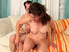 Older Tart Uses Her Mouth And Cunt To Please A Dick Nuvid