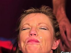 Kinky Idol Gets Cumshot On Her Face Eating All The Spunk39lp Nuvid