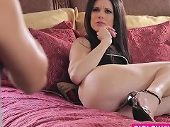 Lusty Babe Gets Seduced And Banged By A Mature Lesbian Cutie