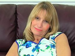 British Gilf Sapphire Louise Pleases Her Pussy With A Dildo Drtuber
