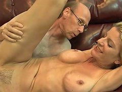 Perfect MILF Robbye Bentley Loves Getting Her Armpits Licked