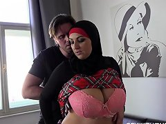 Thomas Fucked His Busty Muslim Sister In Law Nuvid
